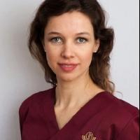 Zahnärztin Frau MsC Implantologie Vera Klencke