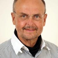 Zahnarzt Herr Dr. med. dent. Helmut Schmalstieg