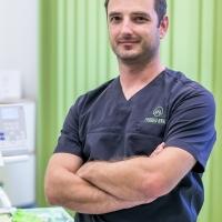 Zahnarzt Herr Dr. Soma Veszpremi