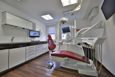 Zahnarzt Herr Dr. Florian Krug, Bild Nr. 1
