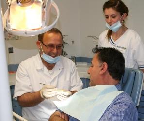Zahnarzt Herr Dr. med. dent. Bilal Quaas, Bild Nr. 3
