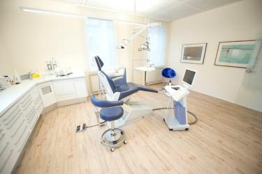 Zahnarzt Herr Dr. med. dent. Peter Aibester, Bild Nr. 9